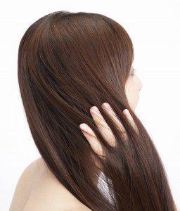 髪も生きているので、インナーケアの一貫として、新鮮かつ良質なお水を摂ることが大切。